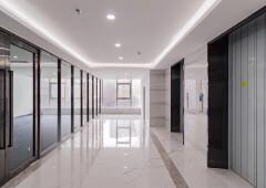 福永地铁口新出大面积,户型方正采光好写字楼,可整层,免租长