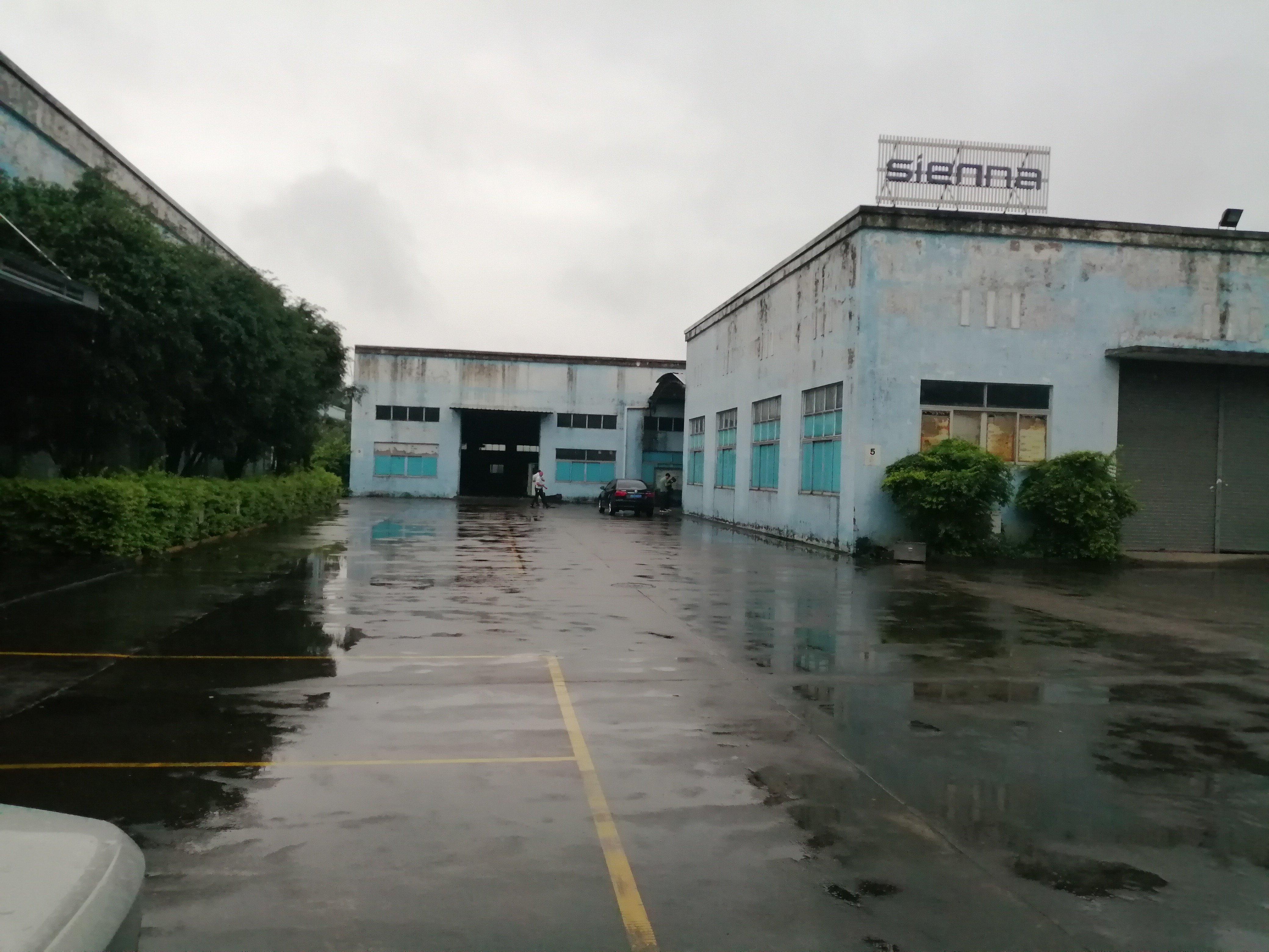 石基凌边村独门独院8000方厂房出租空地10000方