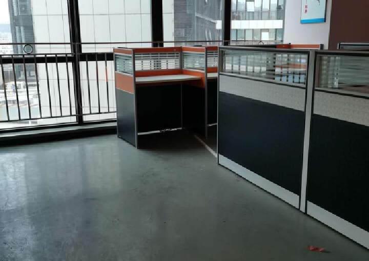横岗地铁口100米甲级办公室288平办公室出租图片2