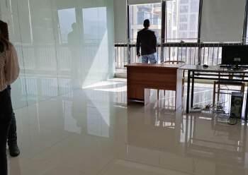横岗地铁口100米甲级办公室288平办公室出租图片1