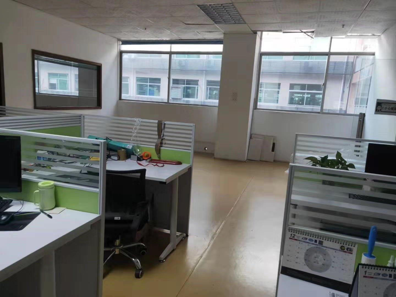 石岩应人石新出楼上带装修775平方厂房出租,免转让费。