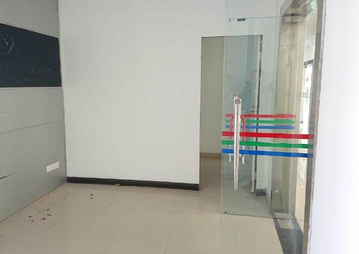 龙华民治商业中心区小面积118平带隔间采光好图片8