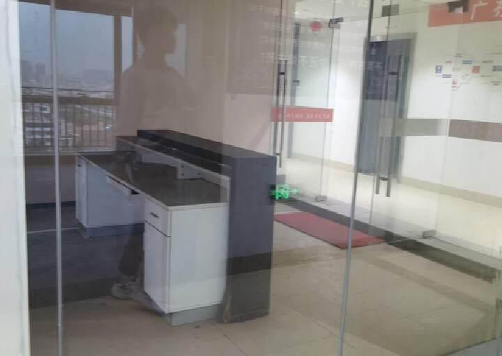 横岗地铁口100米甲级办公室288平办公室出租图片5