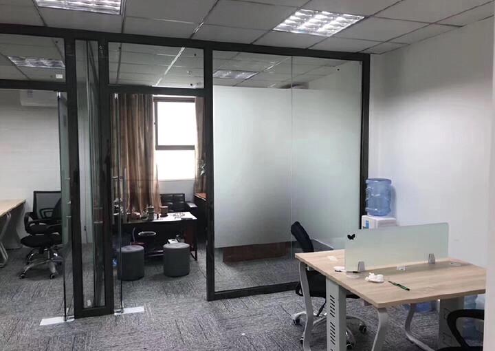 龙华清湖地铁站附近楼上新出一套带全套家私办公室出租图片4