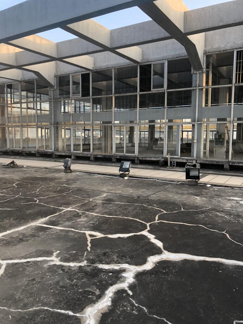 南山科技园新出的稀缺式办公室890平楼顶送超大阳台