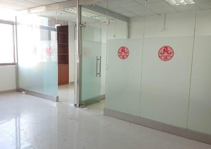 龙华民治商业中心区小面积118平带隔间采光好图片6