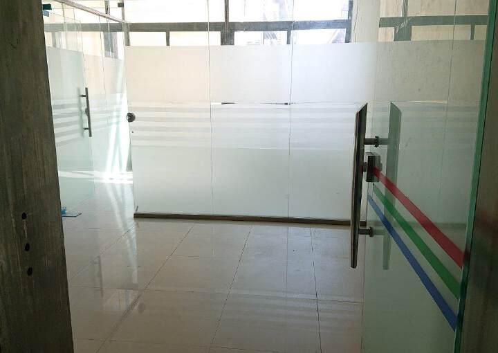 龙华民治商业中心区小面积118平带隔间采光好图片5