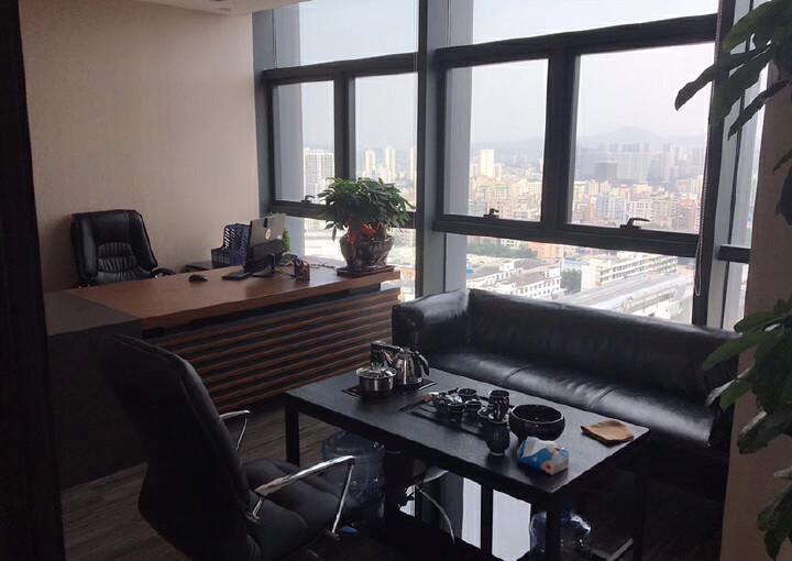 龙华清湖地铁口288平办公室出租图片7