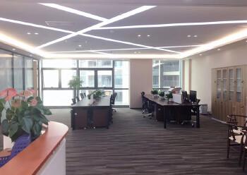 龙华清湖地铁口288平办公室出租图片2