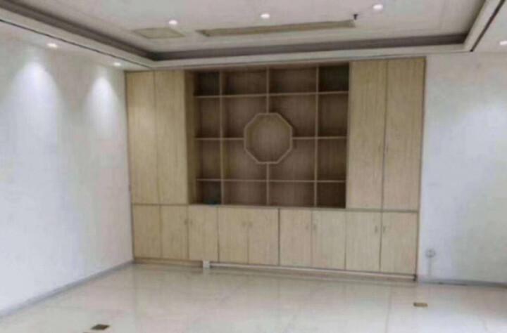 龙华繁华地段楼上新出一套小面积的办公室出租图片8