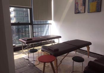龙华民治地铁口290平办公室出租图片2
