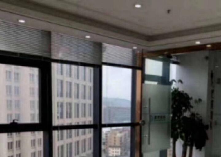 龙华繁华地段楼上新出一套小面积的办公室出租图片7