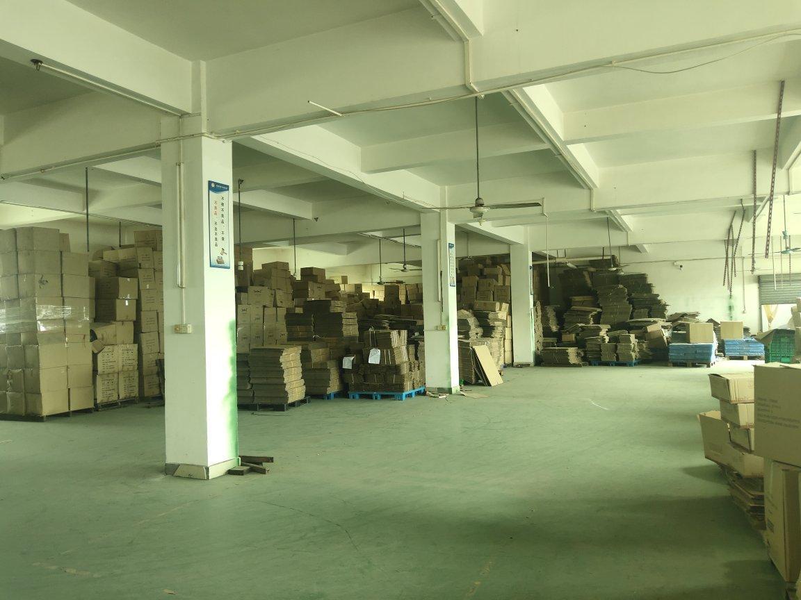 梁高5米,带2吨货梯有地坪漆,每层都带独立办公,每层450平