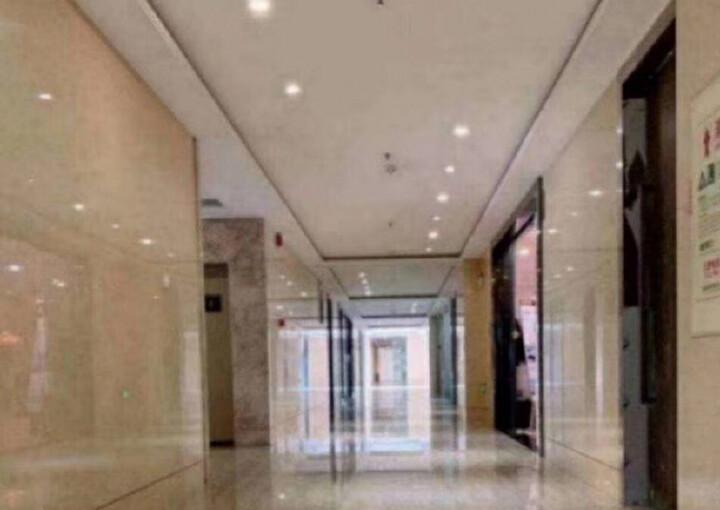 龙华繁华地段楼上新出一套小面积的办公室出租图片5