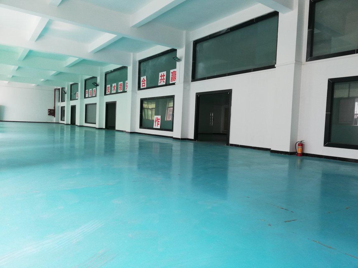 南山西丽地铁站附近一楼1600平带装修层高6米