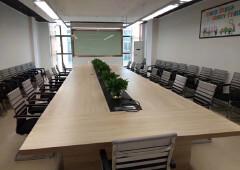 厚街镇文化产业园带办公家具厂房出租,水电齐全。