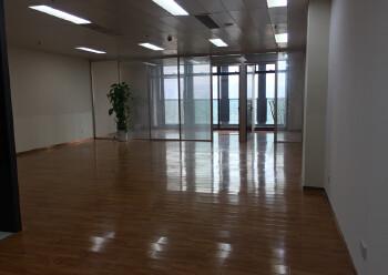 坂田10号地铁口附近精装写字楼130平图片1