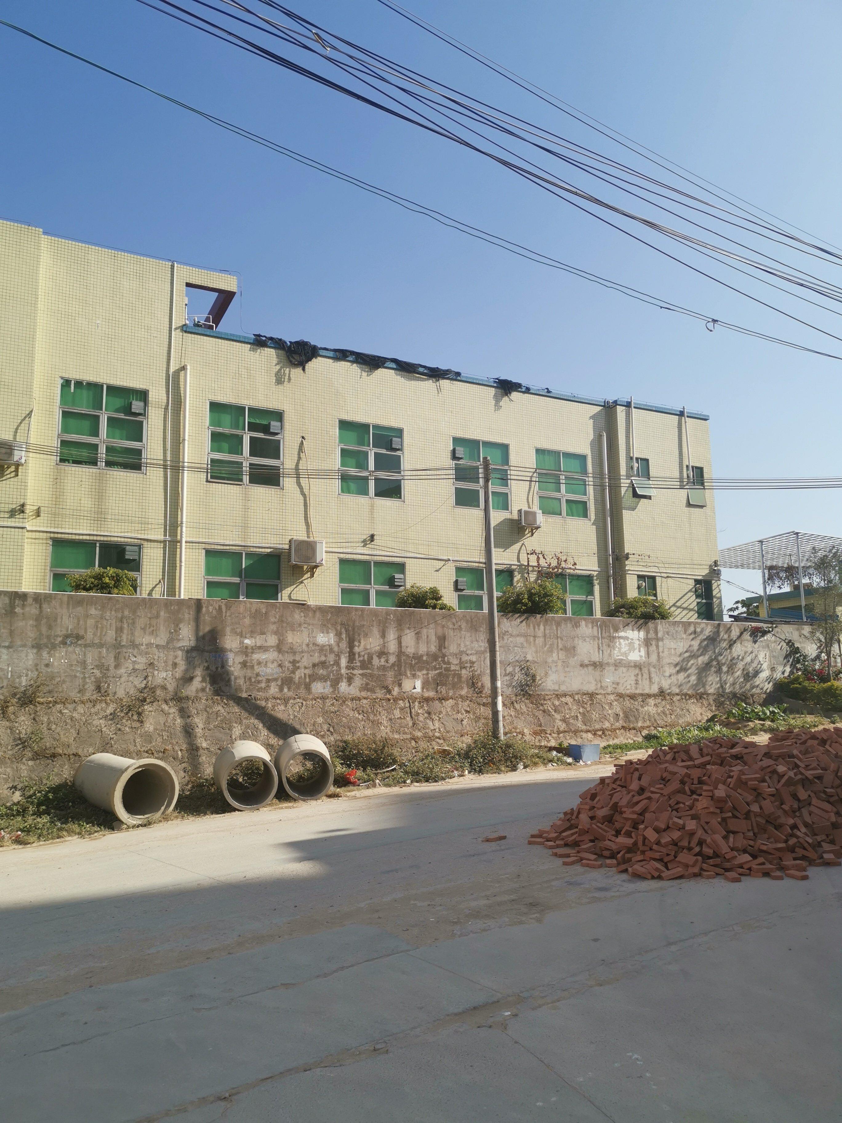 急售临深村委厂房招商8000平米,单价2000元,超长使用权