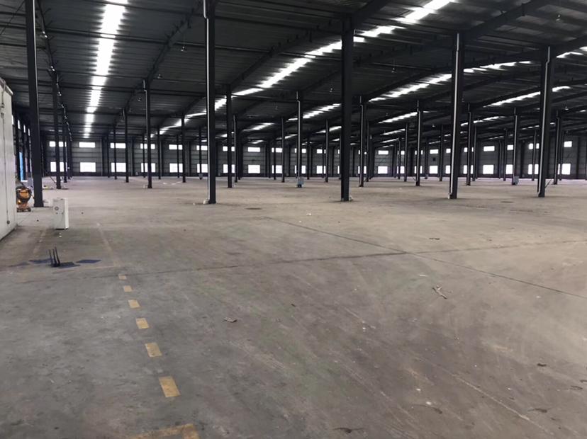 出租13000平米标准钢结构厂房(可分租可油漆)