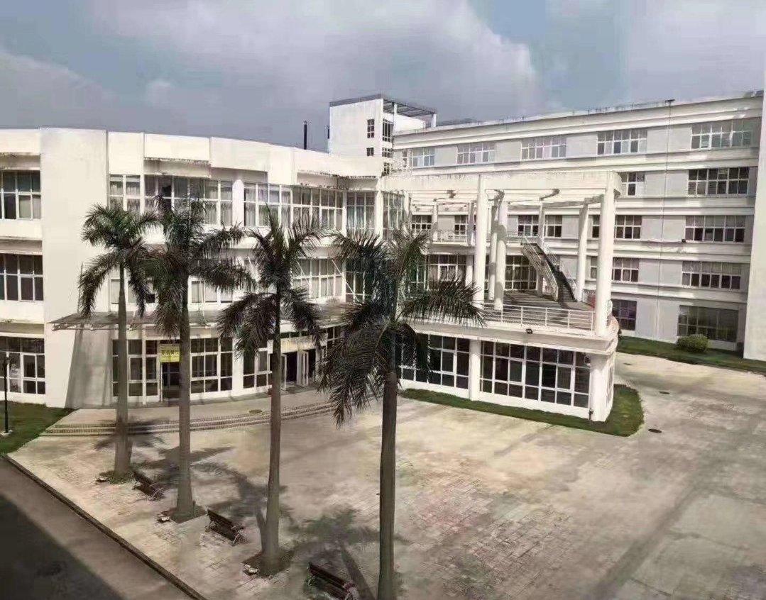 龙岗红本厂房15年合同原房东厂房招租可做学校60000平方米