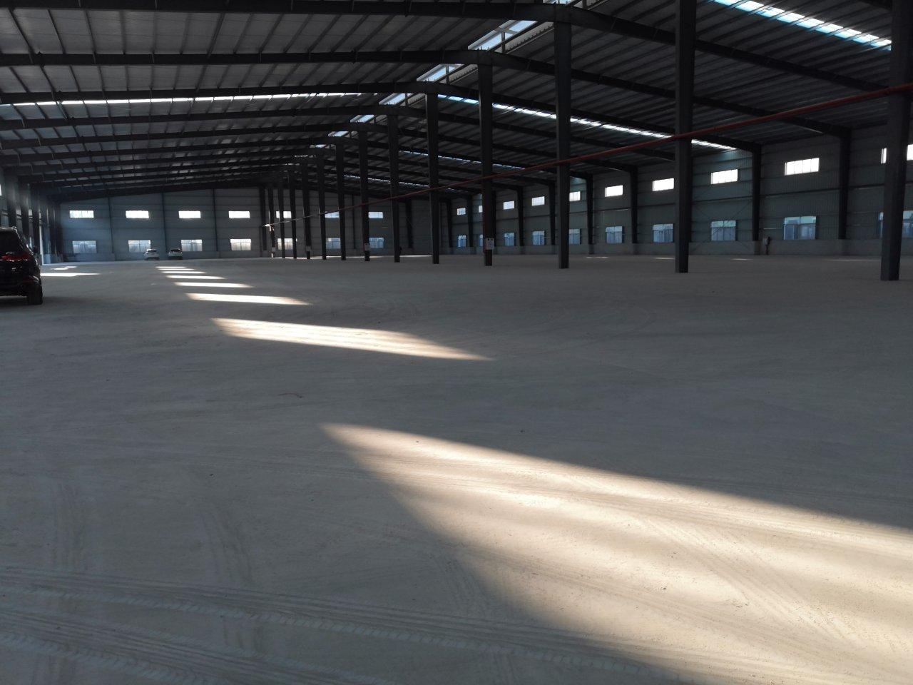 东莞市厚街镇独院带卸货平台仓库6500平方原房东低价急租