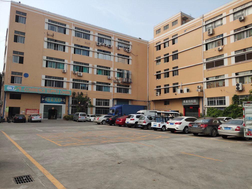 西乡桃源居附近高新工业园3楼1800平厂房出租