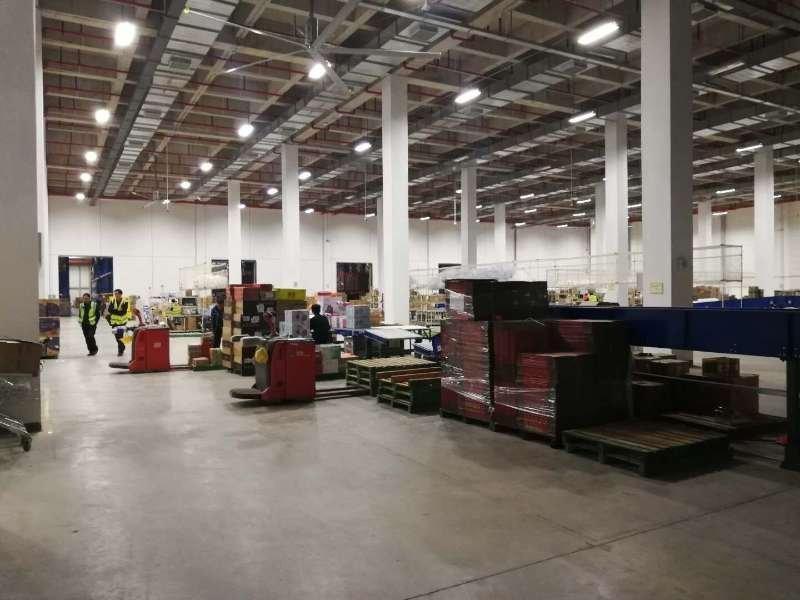 清溪镇高速出口旁电商仓库30000平方证件齐全丙二类消防。