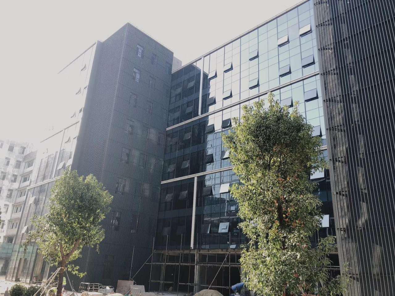 国有双证厂房出售占地面积:3544平总建面9100