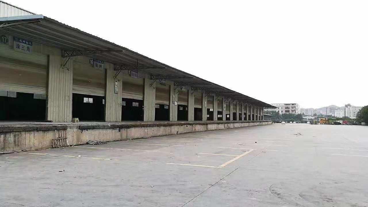 洪梅高速出口附近独院单一层仓库1.5万平方招租