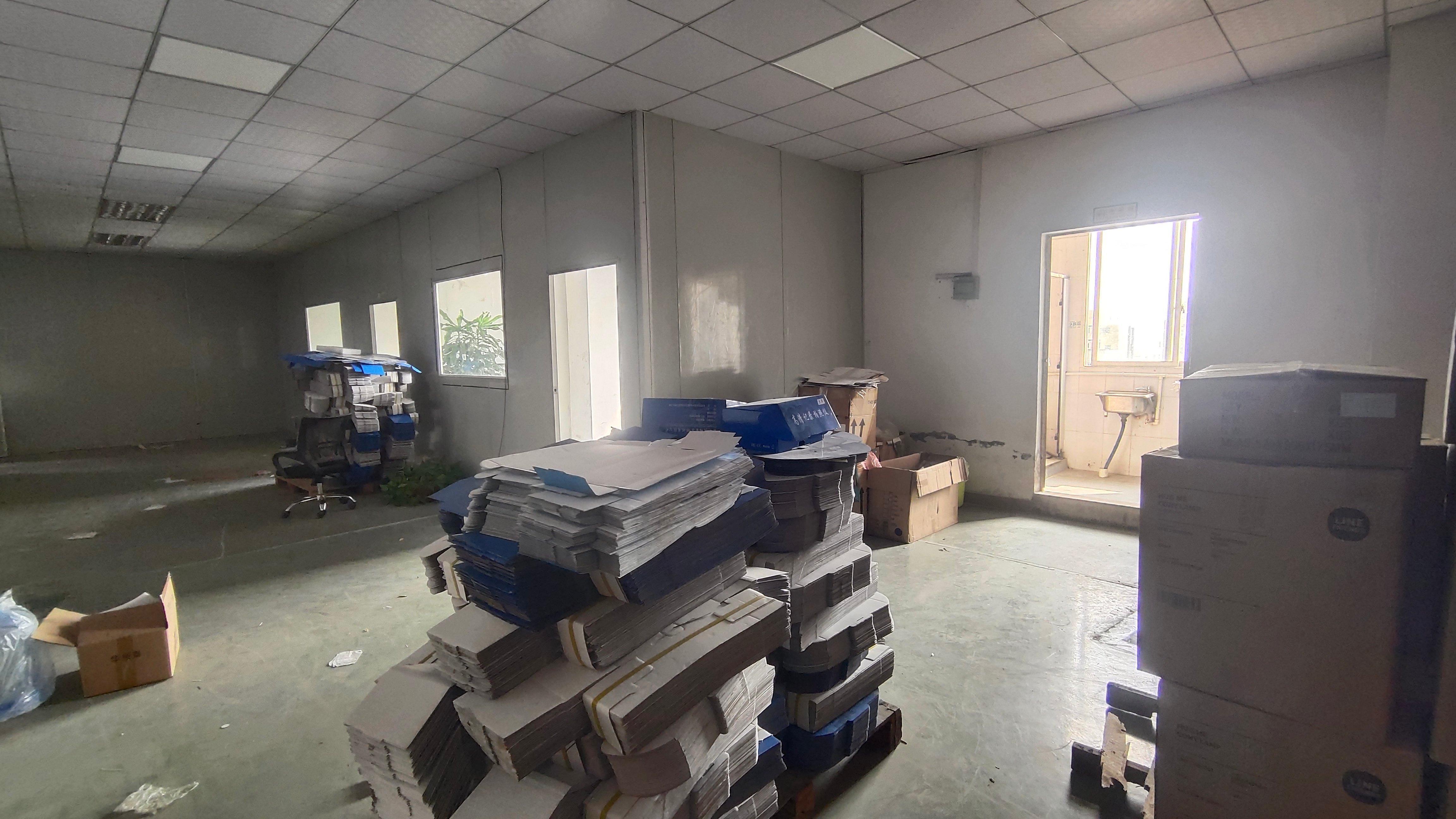 长安镇上沙中南广场附近新出楼上600平方厂房价格14元,