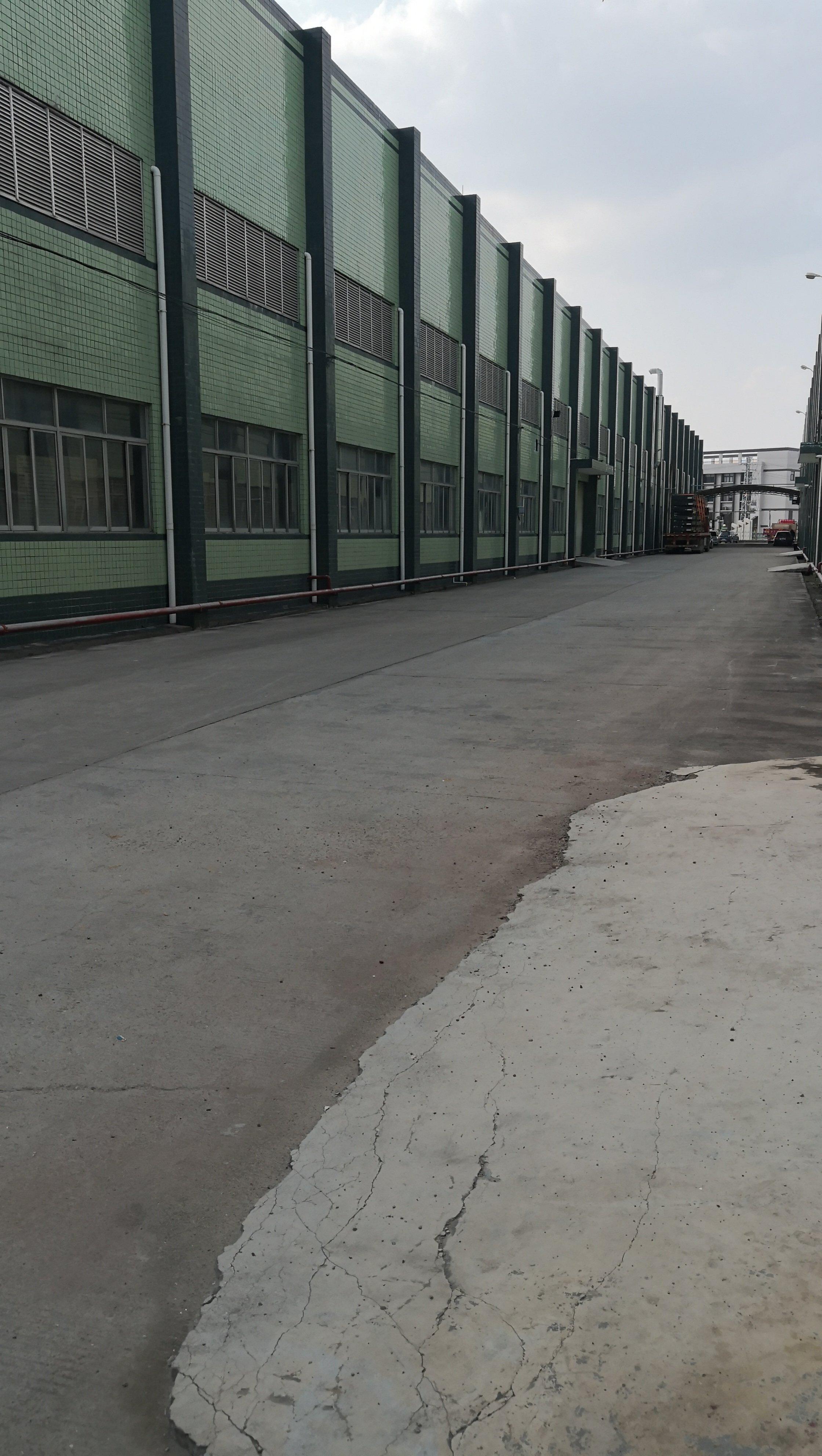 深圳观澜新出钢构4800平方可分租