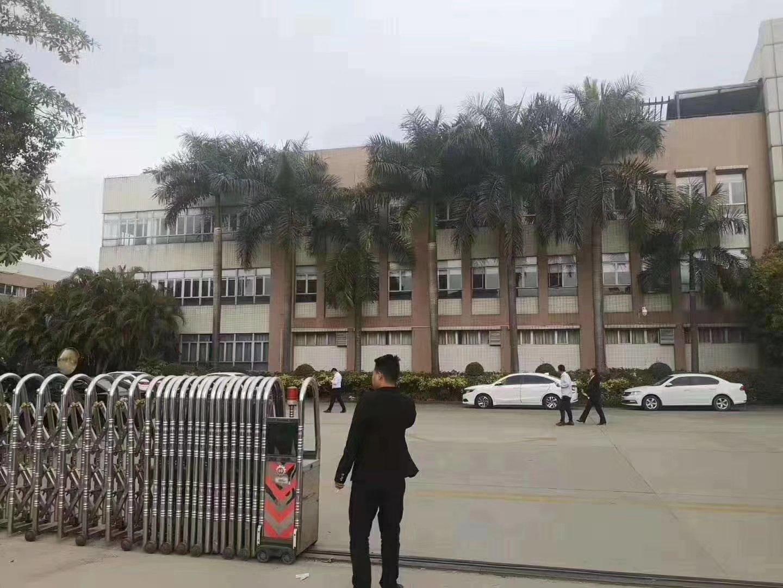 石井新出重工业厂房一楼800平方出租。