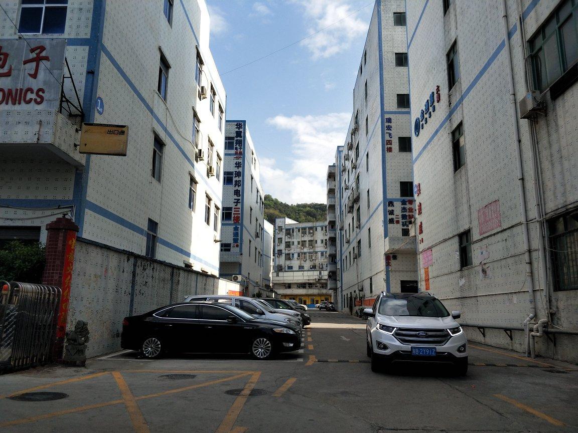 西乡固戍二路带装修厂房三楼519平米。