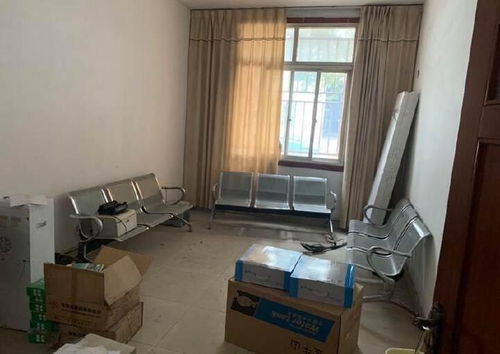青白江八阵大道旁(佳飞建材旁)工业办公楼出租图片3