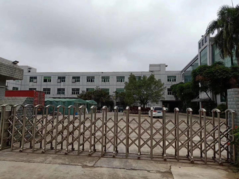 深圳市龙岗区花园式红本独院厂房出售。