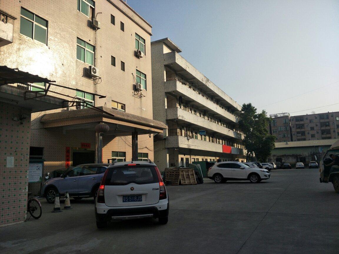 黄江镇北岸工业区新出标准厂房分租三楼1500平米