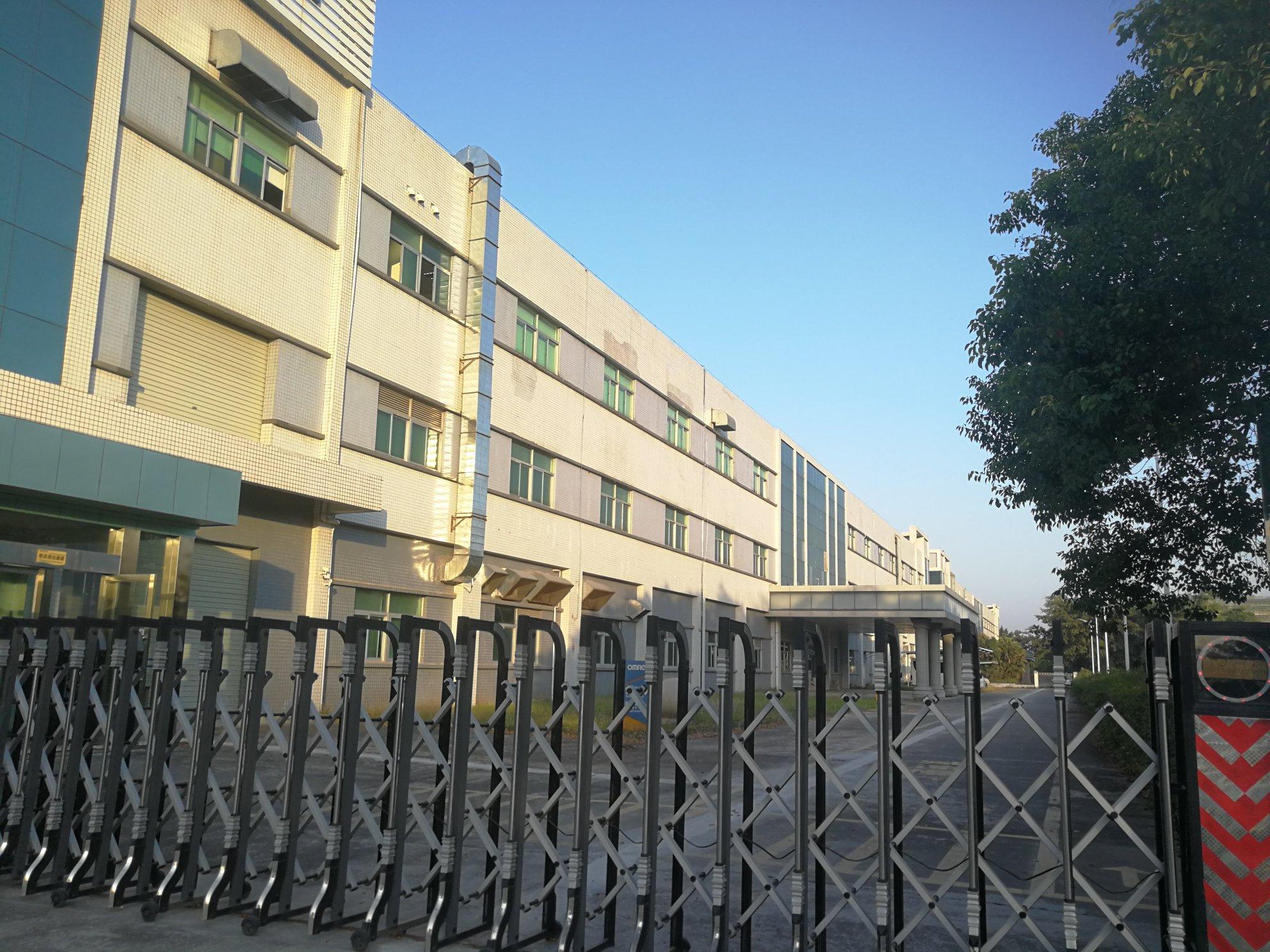 清溪高新产业园形象好三楼3500平方米厂房出租可分租适合口罩