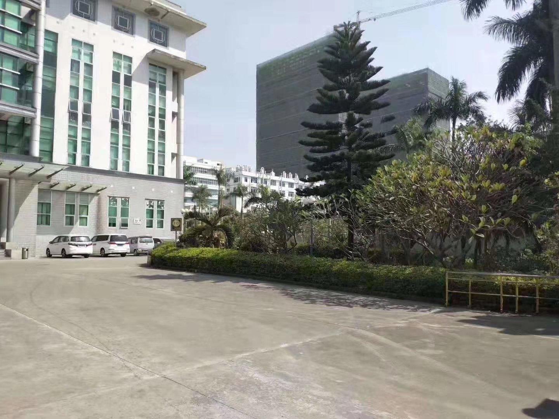东莞市中堂镇工业区厂房12000平方招租。