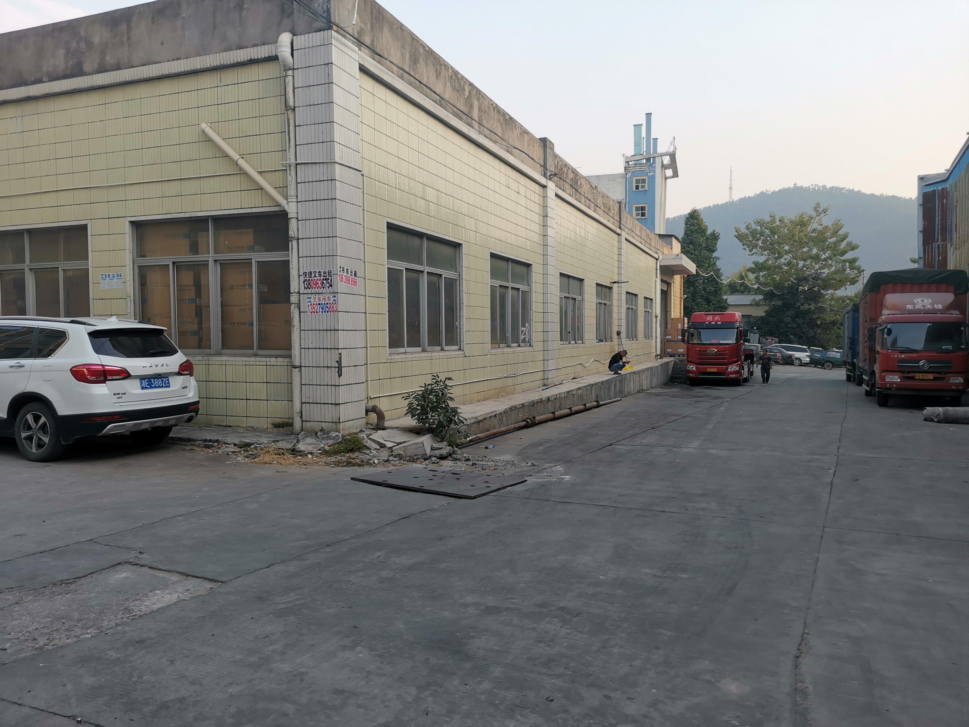 南城水濂山新空出仓库5500方,对外招租。
