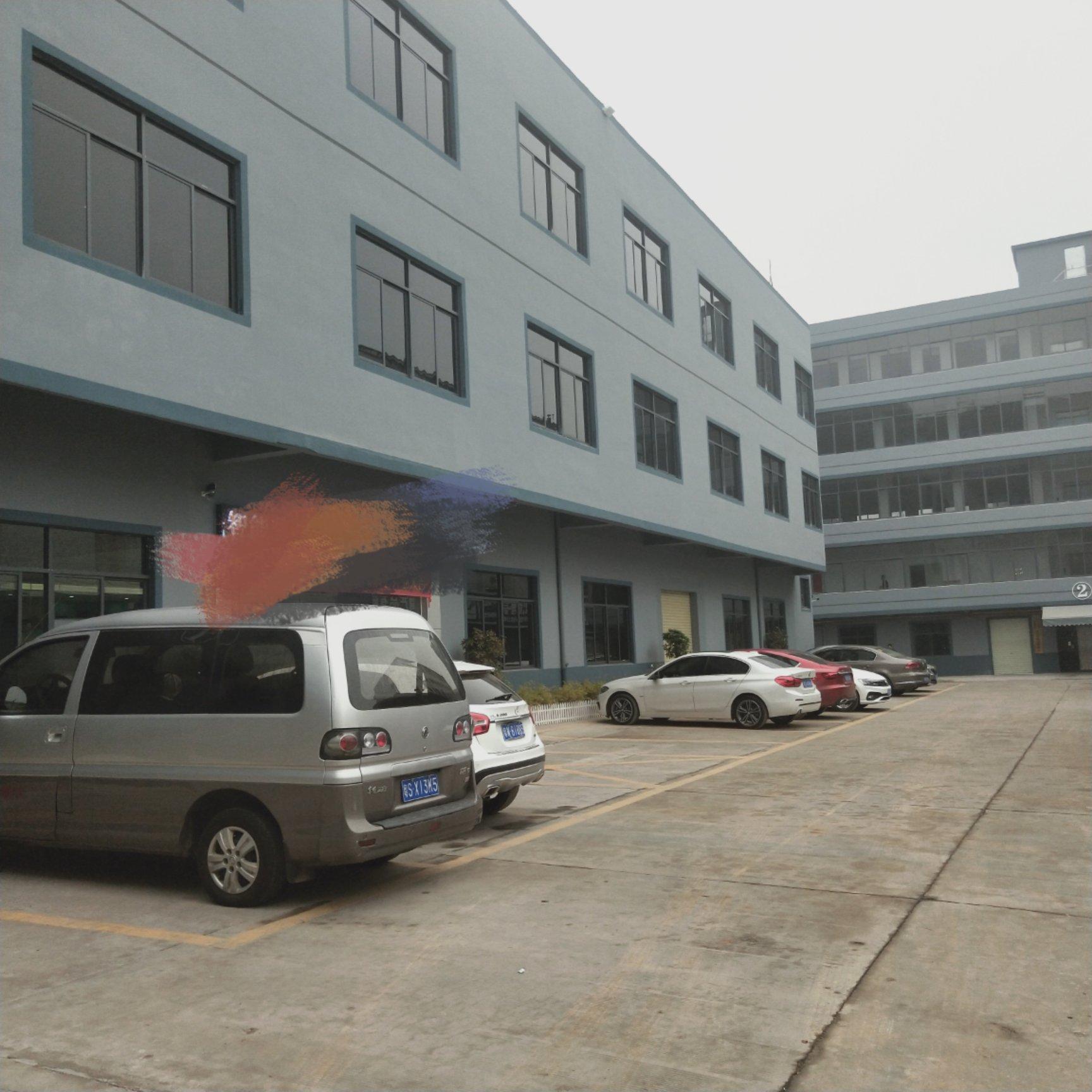 此厂房靠近汽车城楼上1500平方