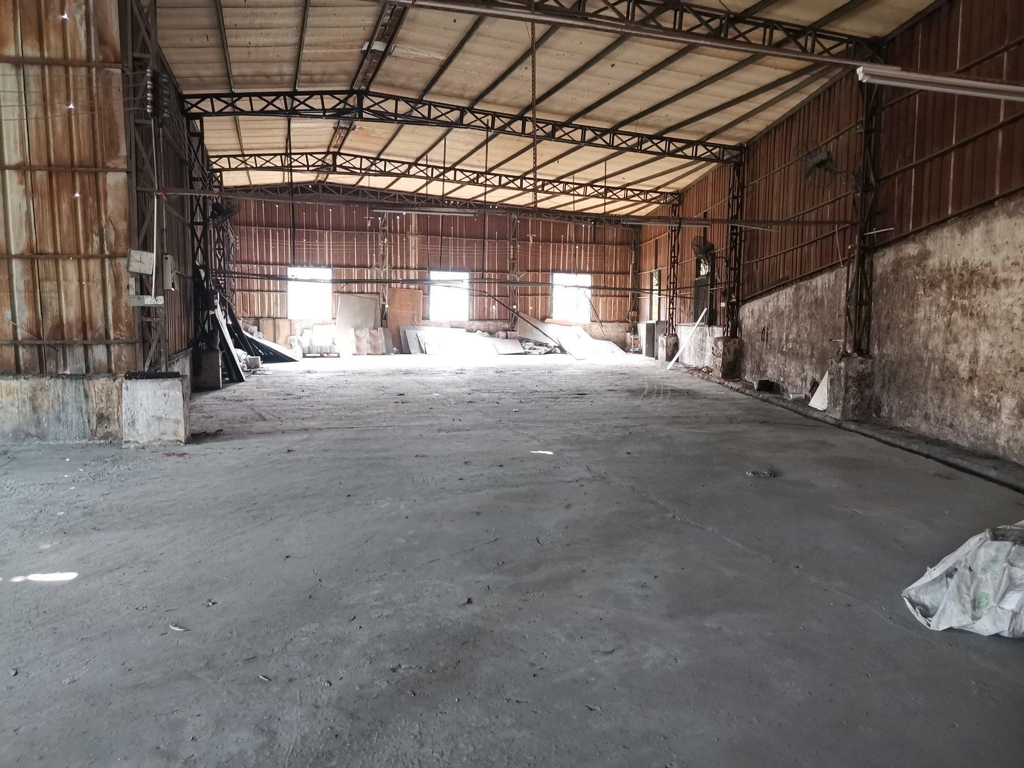 坪地钢构厂房仓库500平出租,交通便利
