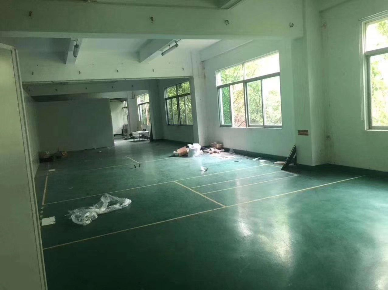观澜靠近清湖新出整层1100m²面积现成装修办公仓库生产