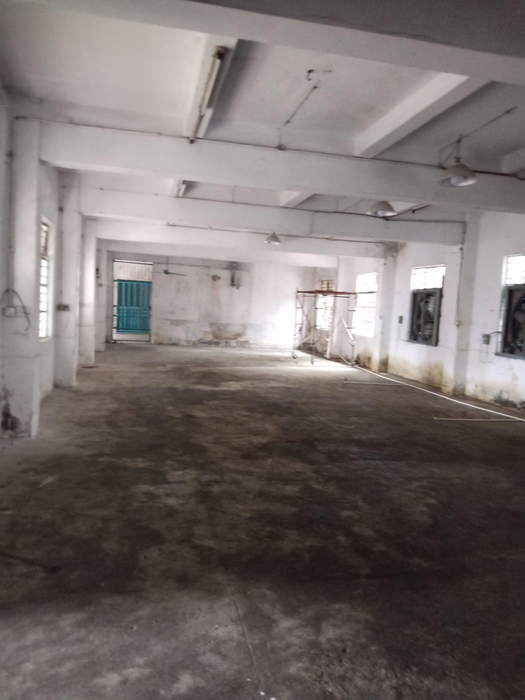 厚街镇白濠工业园区一楼4○o厂房出租,可做五金,仓库。