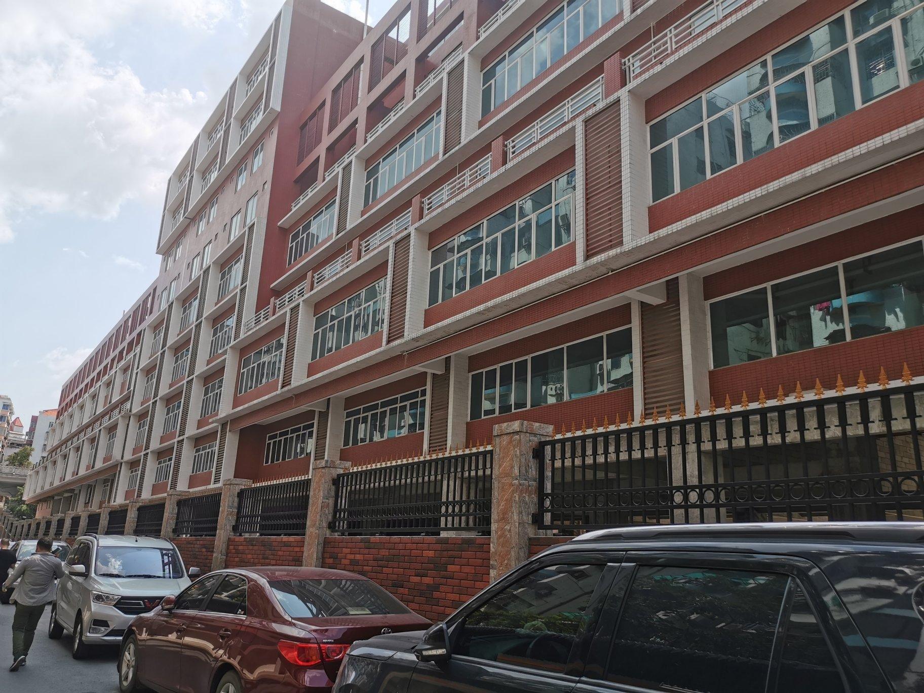 原房东标准厂房23500平方,可办学校,医院,总部基地