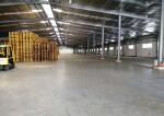 平湖清平高速出口一楼带平台仓库11000平业主直租可分租