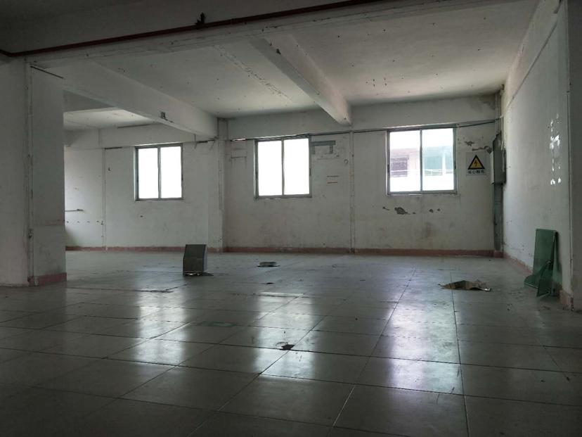 天河小新塘520平米1楼价格30块,可办公仓库生产,证件齐全