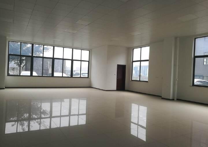 龙泉经开区内100平小面积写字楼可注册生产型企业配家具空调图片2