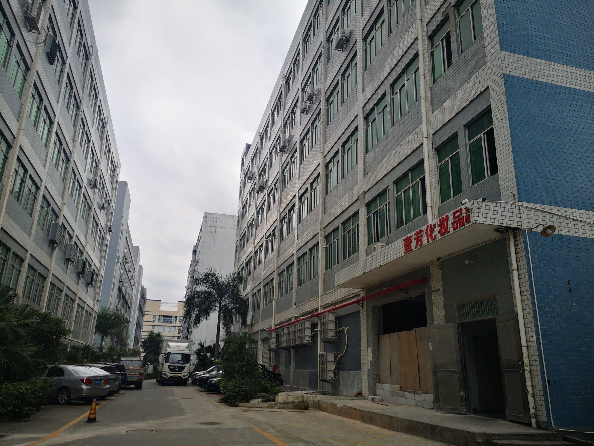 宝安沙井后亭新出楼上带装修1000平厂房适合办公电商仓库