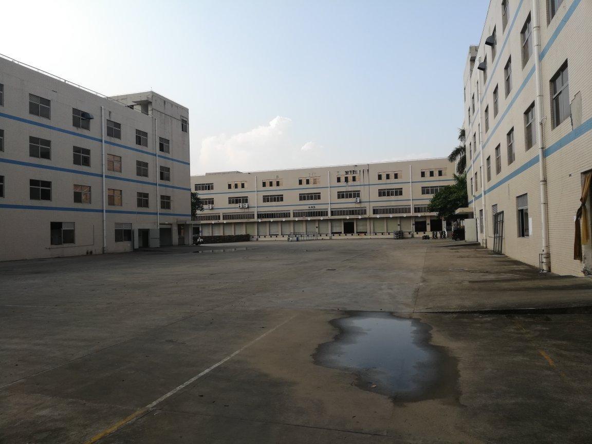 坪山大工业区红本厂房一楼高台仓库厂房出租,高速口,空地超大