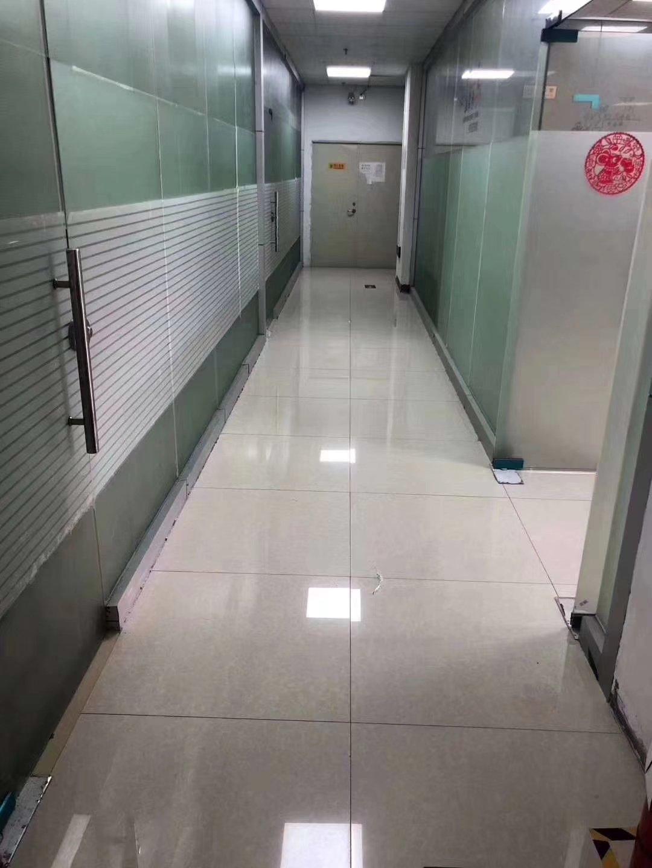 沙井后亭地铁口新出楼上640平精装修厂房